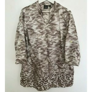 Traveler's Collection by Chico's Size 1 Tunic Top